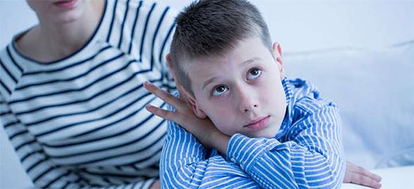 Το παιδί του συντρόφου μου δεν με συμπαθεί. Τι να κάνω για να βελτιώσω τη σχέση μας;