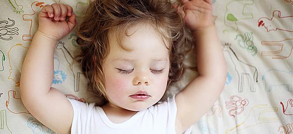 Πώς να βάλετε το παιδί για ύπνο χωρίς κλάματα