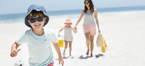 4 συμβουλές που θα κάνουν τις διακοπές με τα παιδιά (πολύ) πιο εύκολες