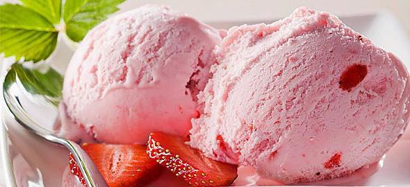 3 συνταγές με παγωτό φράουλα που θα ξετρελάνουν τα παιδιά