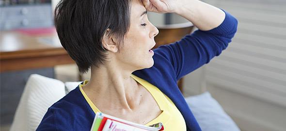 Τι είναι η περιεμμηνόπαυση και ποια είναι τα κυριότερα συμπτώματά της