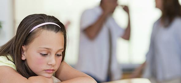 Οι φράσεις που δεν πρέπει να λέτε στο παιδί μετά το διαζύγιο