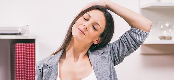 5 απλές ασκήσεις που θα σας ανακουφίσουν από τους πόνους στον αυχένα