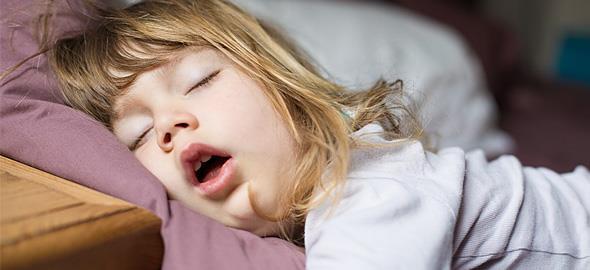 Πρωινό ξύπνημα: Πώς να σηκωθεί το παιδί πιο εύκολα από το κρεβάτι