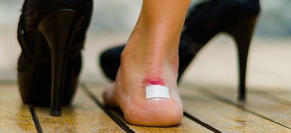 a27289de6b5 Πώς να μην με χτυπάνε τα παπούτσια