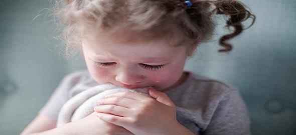 Η 3χρονη ανιψιά μου ξυπνάει τα βράδια κλαίγοντας. Πώς θα την βοηθήσω;