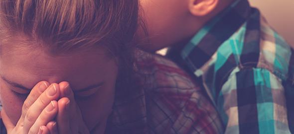Οι αγχώδεις γονείς κάνουν αγχώδη παιδιά: Μήπως είστε ένας απ' αυτούς;