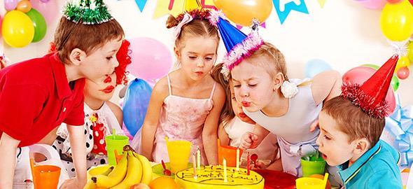 Καλεσμένη σε ένα ακόμα παιδικό πάρτι: 6 τρόποι για να μην βαριέσαι!