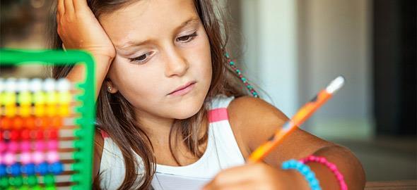 Πώς να βοηθήσετε ένα παιδί Δημοτικού που δυσκολεύεται στα Μαθηματικά