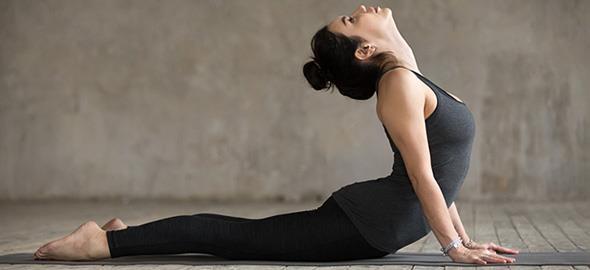5 ασκήσεις γιόγκα που θα σας βοηθήσουν να ηρεμήσετε