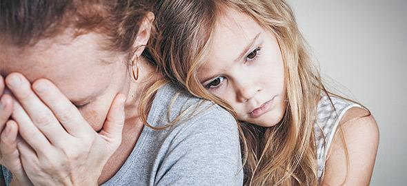 Πώς να διαχειριστείτε την απιστία του συντρόφου σας για να μην πληγώσετε τα παιδιά
