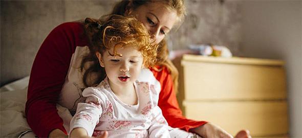Πόσο δύσκολο είναι να μεγαλώσει μία γυναίκα μόνη της 1 παιδί;