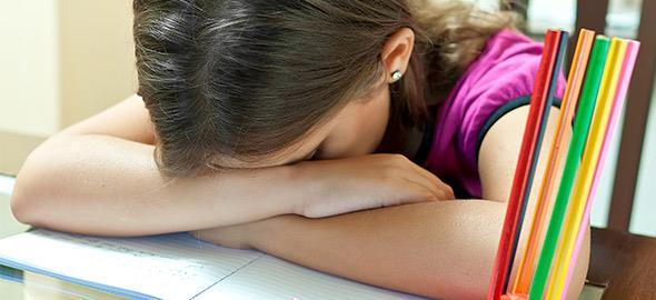 Δεν είναι κρίμα τα παιδιά μας να κουράζονται περισσότερο από εμάς;