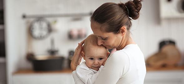 «Τα πας μια χαρά»: Το βίντεο που πρέπει να δει κάθε μαμά που πιστεύει ότι τα κάνει όλα λάθος