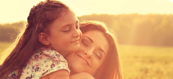 «Πώς η άσχημη παιδική μου ηλικία με βοήθησε να γίνω καλύτερη μαμά»