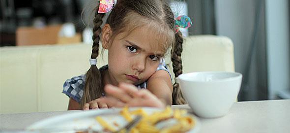 Η 5χρονη κόρη μου αρνείται να φάει κρέας γιατί λυπάται τα ζώα. Τι μπορώ να κάνω για να της αλλάξω γνώμη;