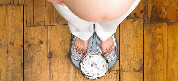 Πώς η εμμονή της εγκύου με το βάρος βάζει σε κίνδυνο το έμβρυο