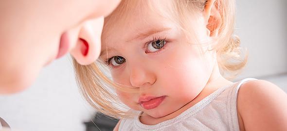 Έχω τύψεις γιατί χάνω την ψυχραιμία μου με την 2,5 ετών κόρη μου. Τι με συμβουλεύετε;