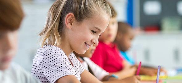 «Τι έμαθα μεγαλώνοντας το παιδί μου στο εξωτερικό»: 3 γονείς διηγούνται