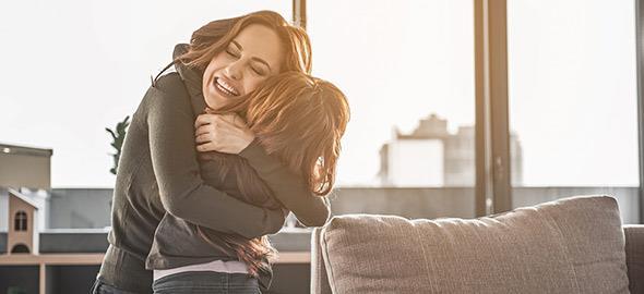 Από το «μαμά αγκαλιά» μέχρι το «μαμά άσε με», είναι μόνο μία δεκαετία δρόμος!