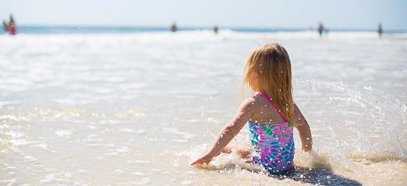 Πώς να απασχολήσετε τους μικρούς μας φίλους στην παραλία!