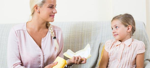 Σε ποια ηλικία πρέπει να μιλήσω στην κόρη μου για την περίοδο;