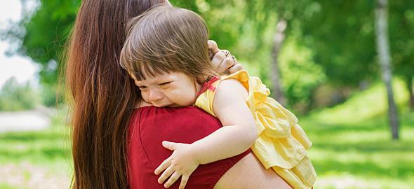 Η κόρη μου κλαίει όταν τα άλλα παιδιά φωνάζουν δυνατά. Χρειάζεται να ανησυχώ;