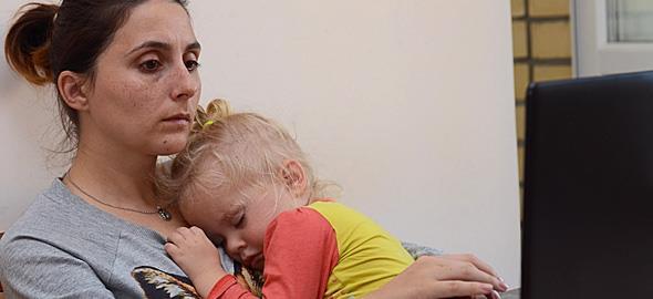 «Δεν περνώ αρκετό χρόνο με το παιδί μου»: η ανησυχία κάθε εργαζόμενης μαμάς