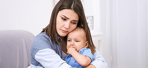 Μετά τη γέννηση της κόρης μας ο άντρας μου δεν μου φέρεται καλά. Πώς θα ξαναφτιάξουμε τη σχέση μας;
