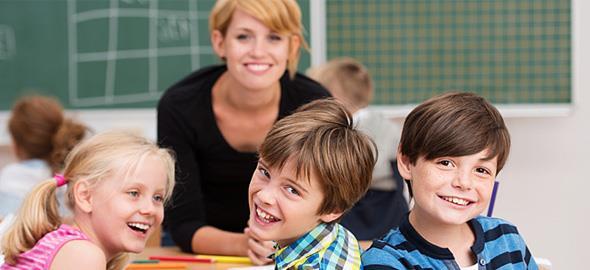 Πώς το χιούμορ βοηθά τα παιδιά να μαθαίνουν καλύτερα