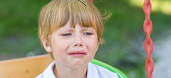 Ο 3χρονος γιος μου δεν θέλει να παίζει και να συναναστρέφεται με συνομήλικα παιδάκια. Πώς να τον βοηθήσω;