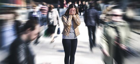 «Δεν ζούμε, τρέχουμε!»: ένα εξαιρετικό κείμενο για το άγχος και τη θλίψη