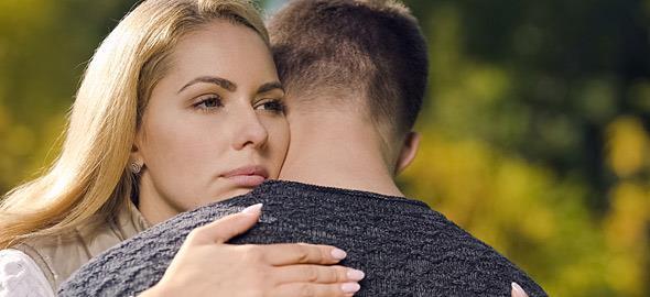 «Συγχώρησα την απιστία του άντρα μου και δεν το μετάνιωσα»: 5 γυναίκες εξομολογούνται