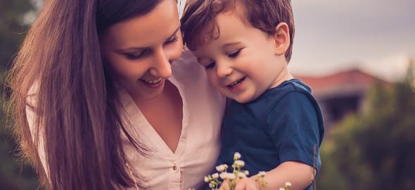 «Μαθαίνω στο παιδί μου όσα μπορώ κι εκείνο μου μαθαίνει να χαίρομαι τη ζωή…»