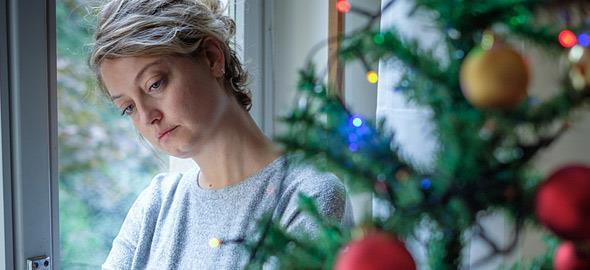 Κατάθλιψη των Χριστουγέννων: τι είναι και πώς να την αντιμετωπίσετε