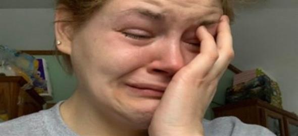«Είμαι μόνη και νιώθω μόνη»: όλη η αλήθεια για τις μη εργαζόμενες μαμάδες