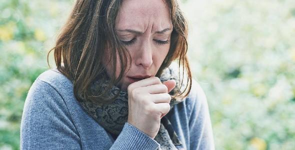Πώς ξεχωρίζουμε τον κορονοϊό από τη γρίπη και το κρυολόγημα