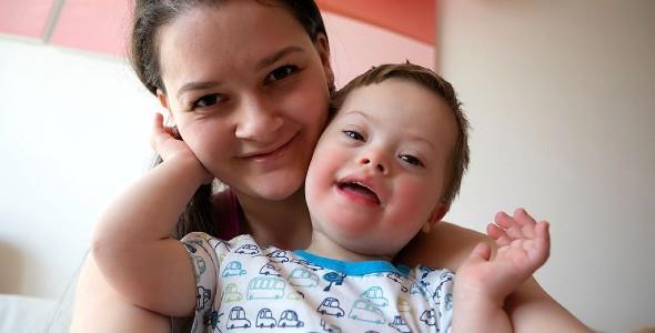 «Όταν φέρνεις στον κόσμο ένα παιδί με σύνδρομο Ντάουν, αλλάζει ο τρόπος που ζεις και αγαπάς.»