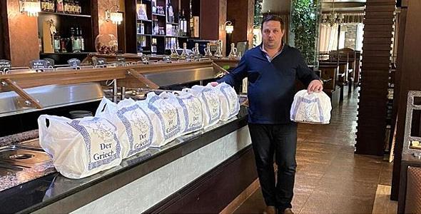 Έλληνας στην Γερμανία μαγειρεύει εθελοντικά για τους γιατρούς και τους νοσηλευτές!