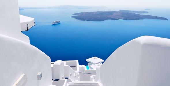 «Yπάρχει ελπίδα για τις διακοπές και λέγεται Ελλάδα!»: διεθνή ΜΜΕ αποθεώνουν τη χώρα μας