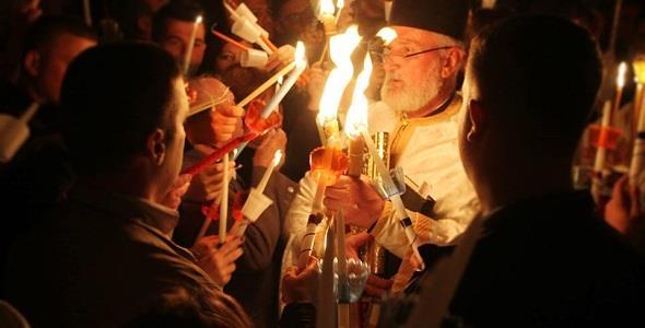 Σήμερα τα μεσάνυχτα θα ακουστεί το «Χριστός Ανέστη» σε όλες τις εκκλησίες