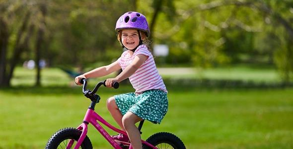 Αλλαγή ΚΟΚ: Υποχρεωτική η χρήση κράνους σε ποδηλάτες έως 12 ετών
