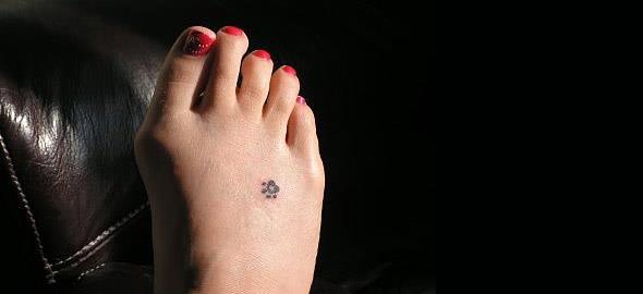 Μικρά και χαριτωμένα τατουάζ για τον καρπό και τον αστράγαλο